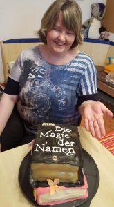 """Buchkuchen zu meinem Roman """"Die Magie der Namen"""""""