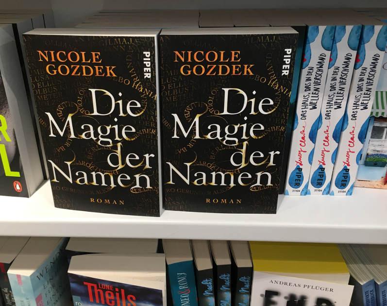 Die Magie der Namen und andere Neuerscheinungen bei Buchhandlung Stackmann