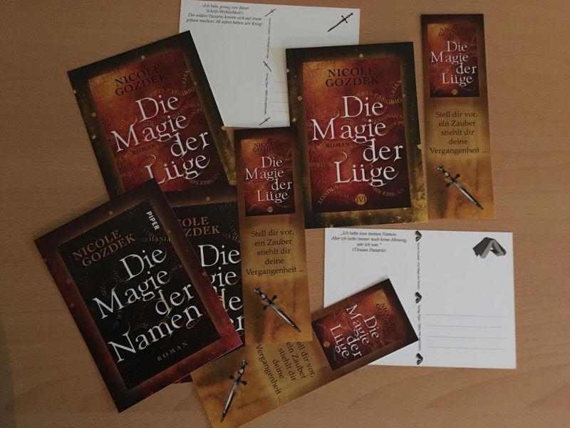 """Postkarten und Lesezeichen zu """"Die Magie der Namen"""" und """"Die Magie der Lüge"""""""